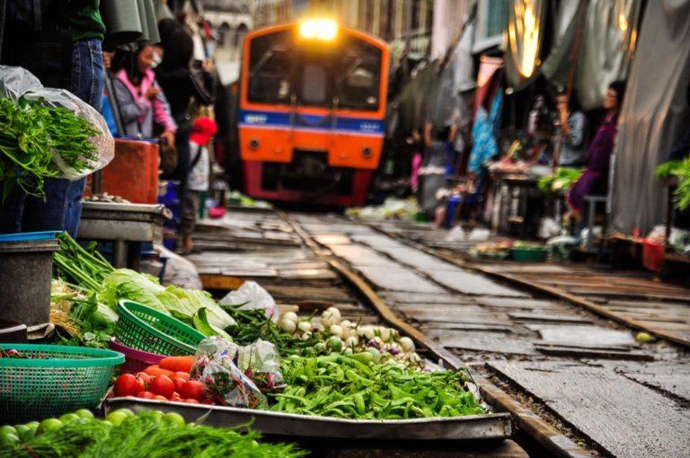 Mercados del Tren y Flotante Damnoen Saduak (Privado)