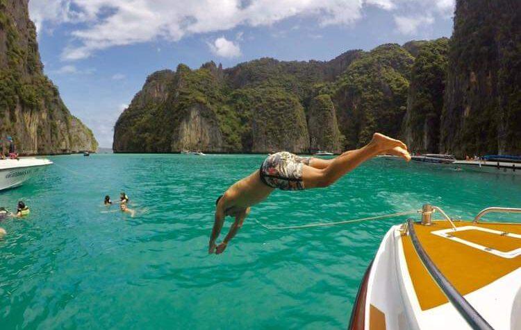 Phi Phi Islas y Bamboo Islas  🏝 Parque Nacional Incluido, Transporte gratuito en cualquier hotel de Phuket